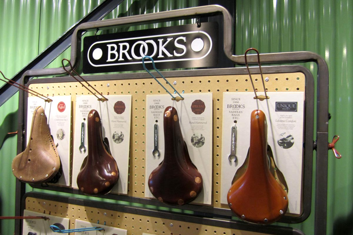 Wilson Brothers - BROOKS PORTA-SHOP